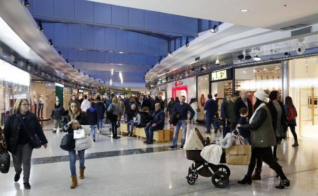 Disminuyen las ventas de los comercios asturianos